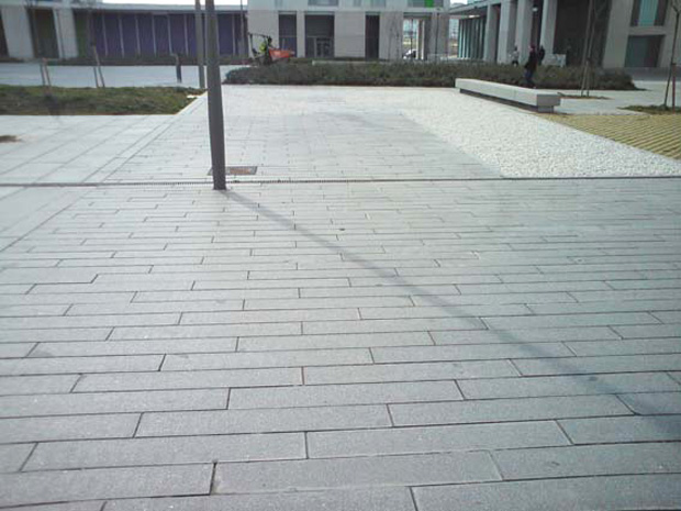 Pavimento granito materiales de construcci n para la for Piedra de granito natural